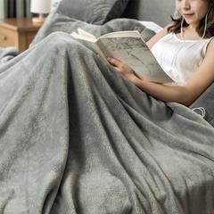 2018新款单层法兰绒披毯 绣花费(单拍不发货) 灰色