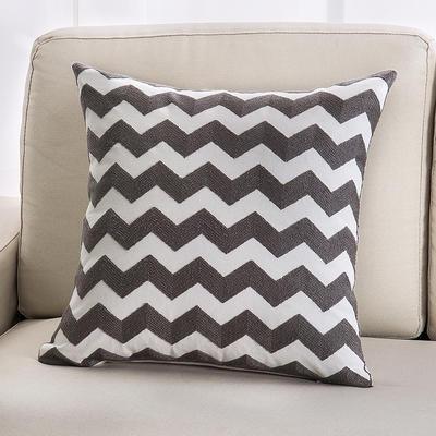 2018新款链条绣灰色系列抱枕 45*45cm(单面图案抱枕套) 波浪纹三角形 灰色