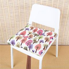 2018新款全棉印花方形坐垫 45x45cm 白底树