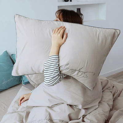 2019新款-60磨毛四件套(模特图) 床单款1.8m(6英尺)床 迷雾灰