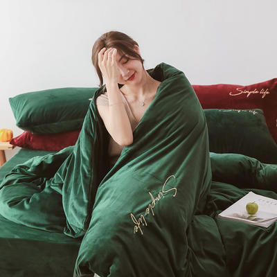 2019新款-2019新款-水晶绒宝宝绒牛奶绒简绒系列四件套简绒系列四件套(模特图) 床单款1.8m(6英尺)床 简绒-墨绿