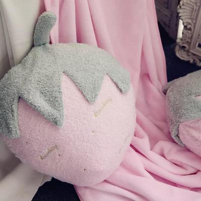 2019新款水果抱枕系列 单抱枕40cm Miss草莓