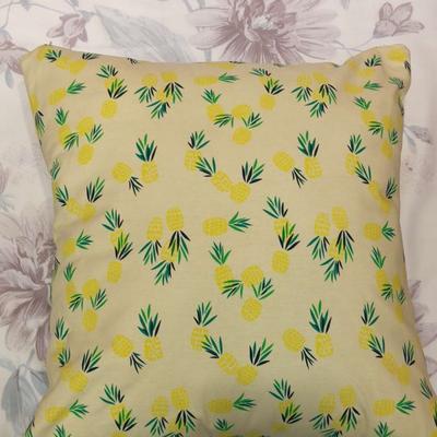 2019新款-花卉抱枕系列 45*45抱枕含芯 菠萝