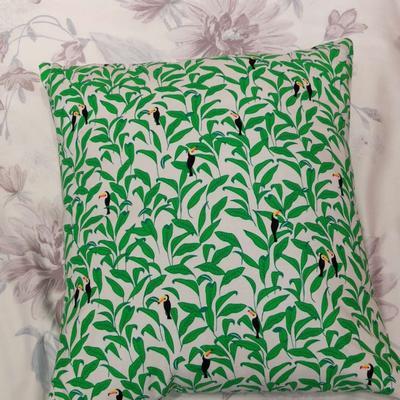 2019新款-花卉抱枕系列 45*45抱枕含芯 犀鸟叶子