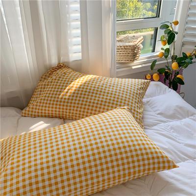 2020新款40支斜纹全棉枕套 48cmX74cm一对 黄格子