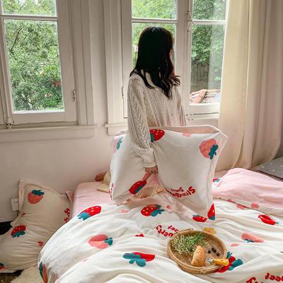 2020新款韩系高端220g牛奶绒四件套--实拍 1.5m床单款三件套 草莓派