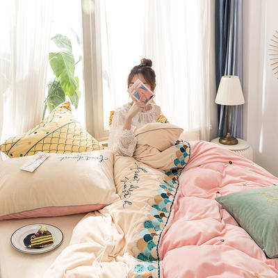 2019新款200g水晶绒四件套 1.8m床单款 锦鲤-粉