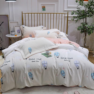 2019新款牛奶絨印花四件套 1.8m(6英尺)床四件套 熱氣球-白色