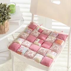 美优兰馒头坐垫 42*42(含花边) 方格草莓