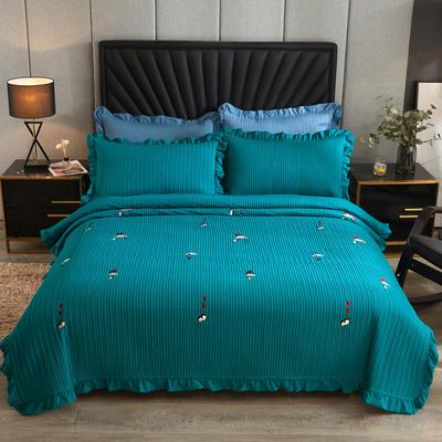 2020新款韩式水洗刺绣款床盖 200cmx230cm 开心企鹅