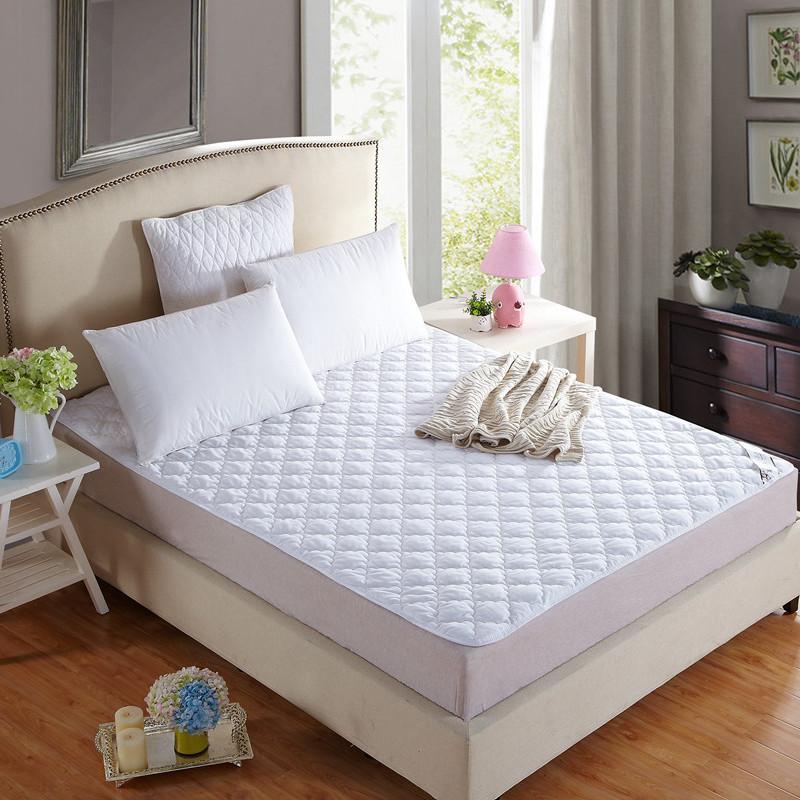 宾馆白色绗绣夹棉床垫保护垫