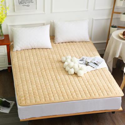 水晶绒压花绗绣夹棉床垫 150*200cm 驼色