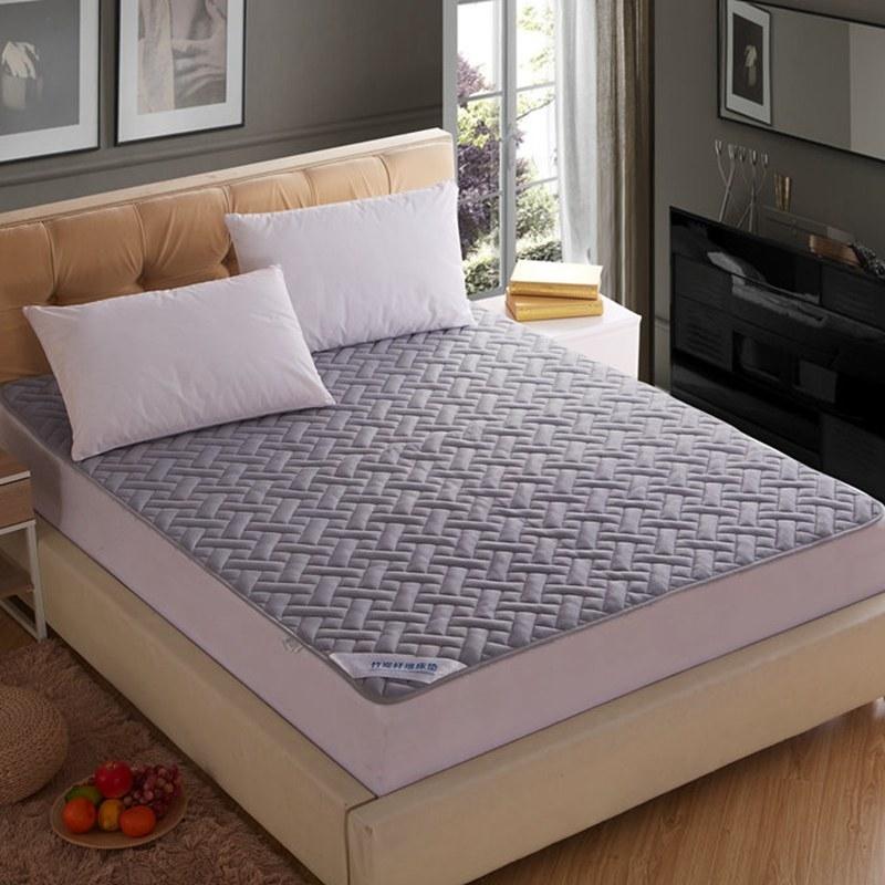 全棉透气网格竹炭纤维软床垫