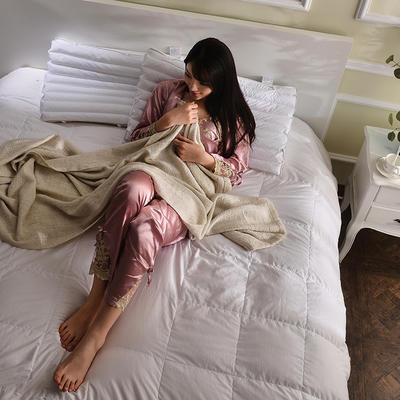 2017秋冬新款PE管羽丝枕 (48*74cm) 模特PE管羽丝枕