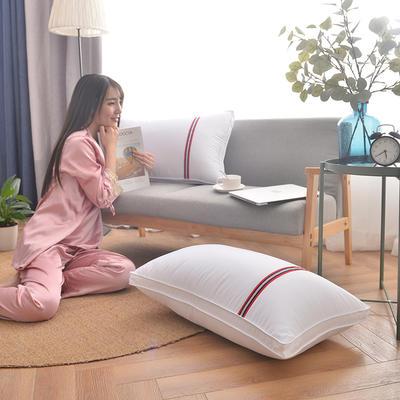 凯罗A(11)酒店羽丝绒枕 可水洗枕芯 枕头 全棉枕芯 模特