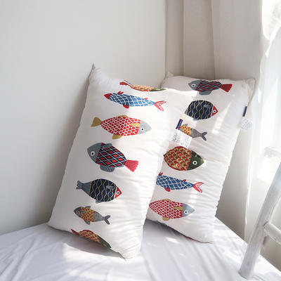 2020新款高支高密全棉枕芯【以家人之名】同款枕头枕芯-48*74cm/个 炫彩鱼