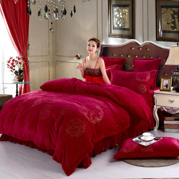 品潮国际-纯色宝宝绒花好月圆绣花床裙床罩四件套