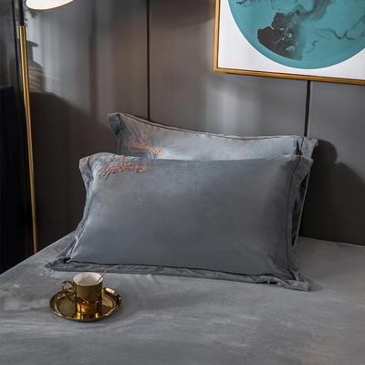 2019新款-蝶中皇后水晶绒压线款单枕套 48cmX74cm/一对 银灰