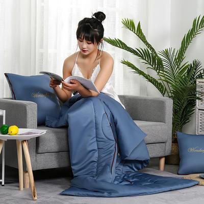 2020新款轻奢刺绣款抱枕被 40X40cm展开被子110*150cm 蔚蓝