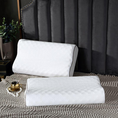2020新款狼牙乳胶枕-40*60cm 狼牙枕