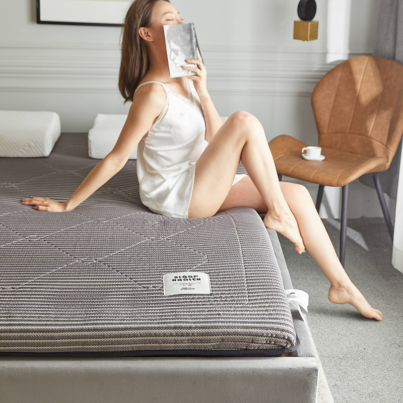 2020新款镂空高密针织棉乳胶功能床垫