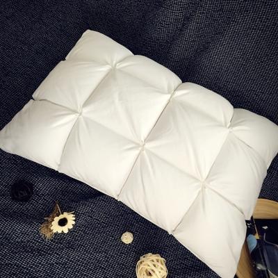 枕芯     鹅绒枕  面包款 面包款