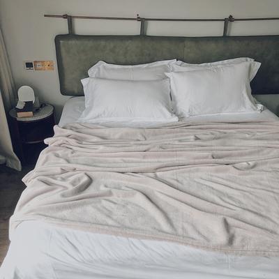 ?#22902;?#21320;睡薄毛毯被子盖毯纯色空调毯单人午休毯子办公室北欧沙发毯 120*200cm ?#21672;? /></a>               <ul class=