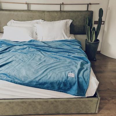 ?#22902;?#21320;睡薄毛毯被子盖毯纯色空调毯单人午休毯子办公室北欧沙发毯 120*200cm 中国蓝