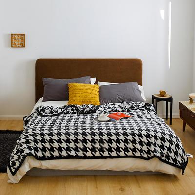 2020新款法兰绒小毛毯被子办公室午睡毯单人加厚保暖珊瑚绒毯子空调盖毯冬 150*200cm 千鸟格黑