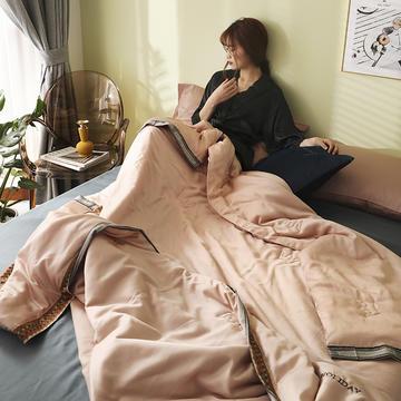 马德里天丝夏被爱马仕桔-模特棚拍