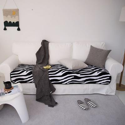 2020新款暖绒沙发垫 50*50cm 斑马