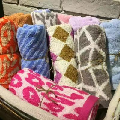 毛圈毛巾35*75(花色随机)