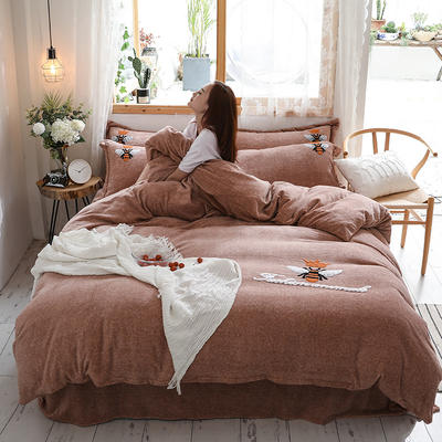 2019新款-加厚牛奶绒毛巾绣四件套 床单款四件套1.5m(5英尺)床 小黄蜂 灰驼