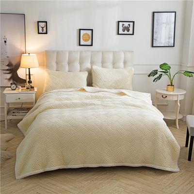金貂绒夹棉绗绣复合休闲毛毯毯子 120*200 米黄