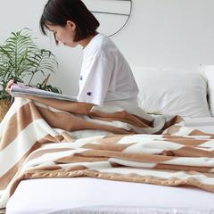 (总)法芙娜家纺 2018秋冬加厚法兰绒毛毯 简约丝柔毯 团购礼品 150cmX200cm 驼白条