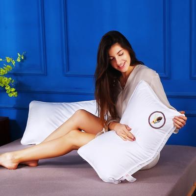 原创全棉贡缎刺绣护颈立体枕芯安睡助眠枕头(小蜜蜂) 全棉小蜜蜂刺绣枕