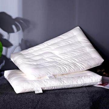 新品发布 全棉贡缎决明子定型绗缝枕头羽丝绒护颈低枕芯单人硬枕
